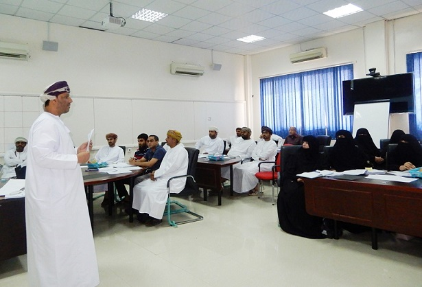 Dhofar Directorate Implements the 1st Training Program for Science and Math Series Curricula for Grades (5-6)